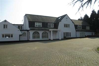 6 Bedrooms Property for rent in Mount Merrion, Oakfield Road