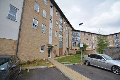 1 Bedroom Flat for sale in Southernhay Close, Basildon, Essex