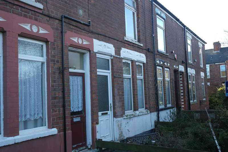 2 Bedrooms Terraced House for sale in Brunswick Terrace, Hull, HU8 8RS