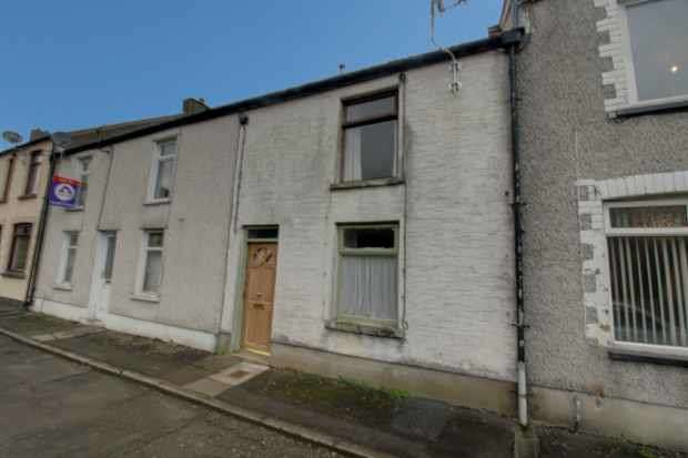2 Bedrooms Terraced House for sale in Vivian Street, Abertillery, Gwent, NP13 2LE