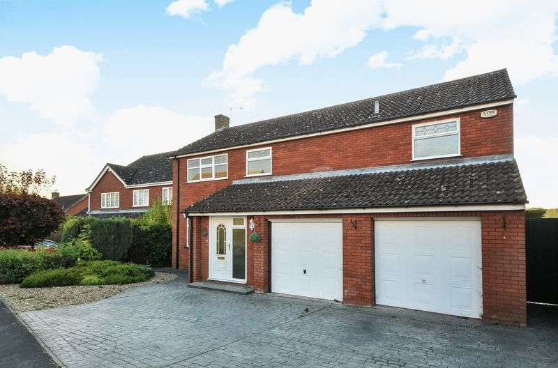 4 Bedrooms Detached House for sale in Thomas Flawn Road, Irthlingborough