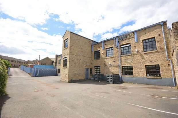 2 Bedrooms Flat for sale in Cumin Court, Fisher Green, Honley, HOLMFIRTH, West Yorkshire