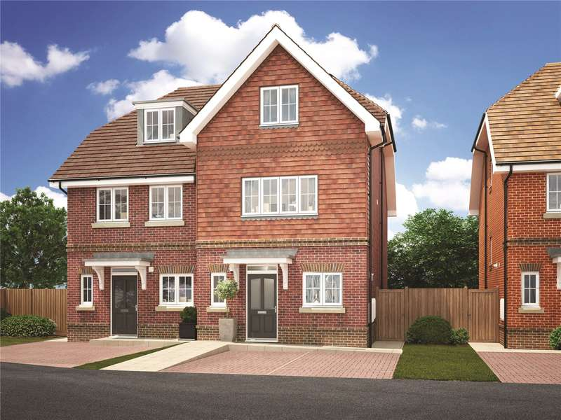 3 Bedrooms Semi Detached House for sale in Whyteleafe Road, Caterham, Surrey