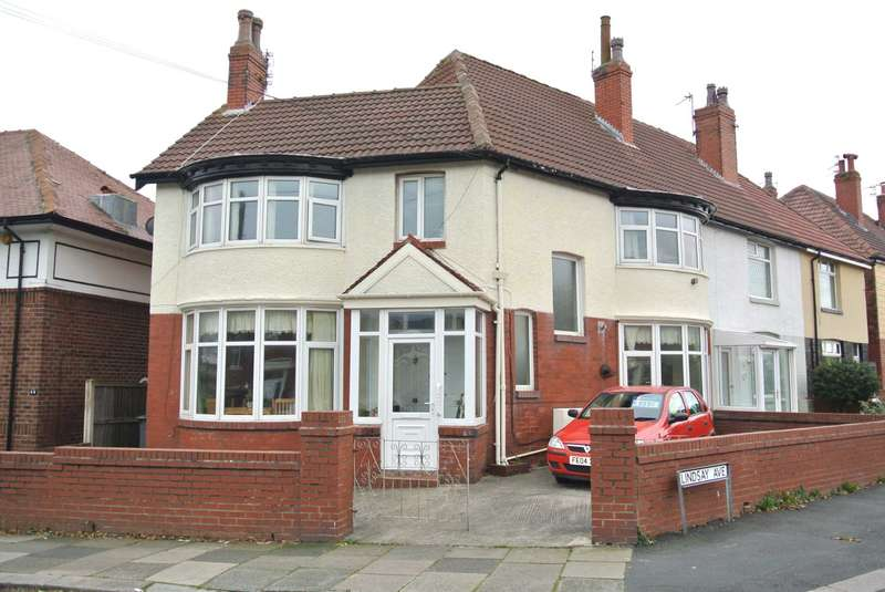 3 Bedrooms Block Of Apartments Flat for sale in Beechfield Avenue, Blackpool, FY3 9JH