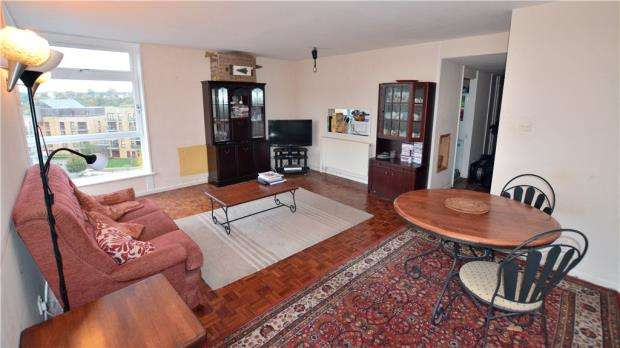2 Bedrooms Apartment Flat for sale in Denham Lodge, Oxford Road, Denham