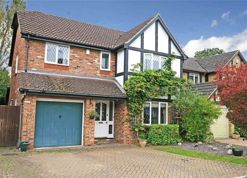 4 Bedrooms Detached House for sale in Connaught Drive, Weybridge, Surrey, KT13