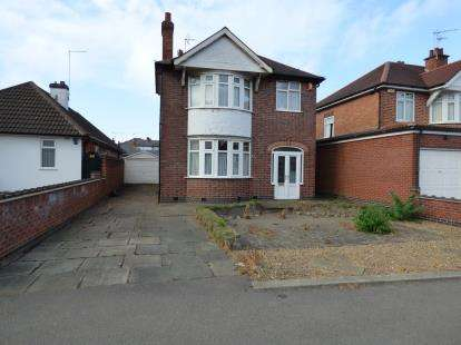 3 Bedrooms Detached House for sale in Narborough Road South, Leicester