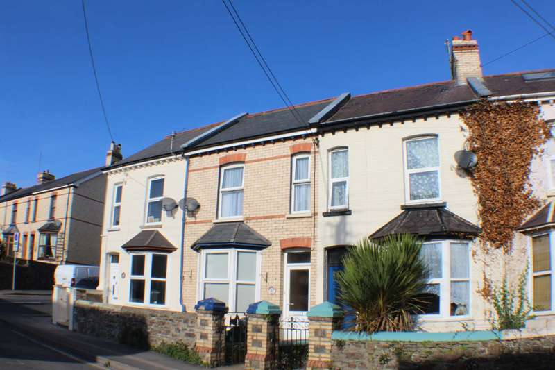 3 Bedrooms Terraced House for sale in Clovelly Road, Bideford