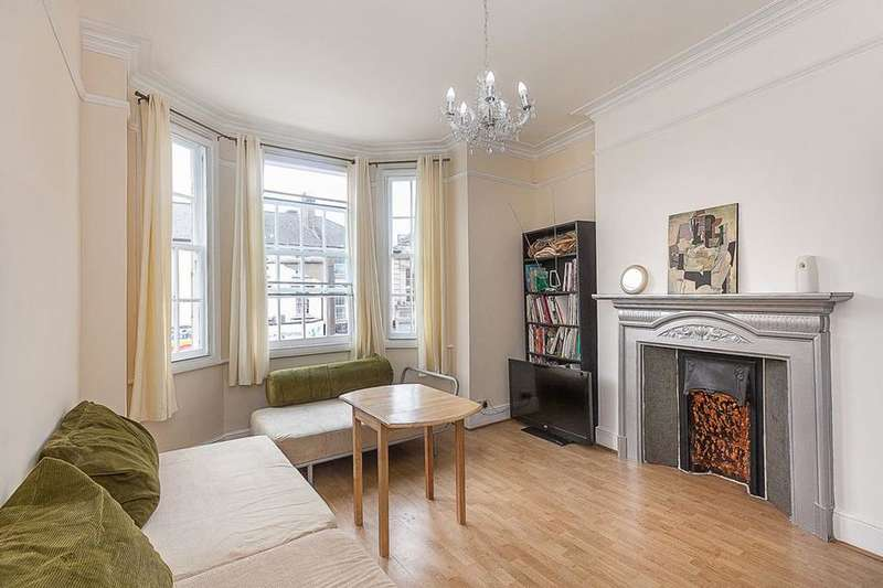 2 Bedrooms Flat for sale in Kilburn High Road, London NW6
