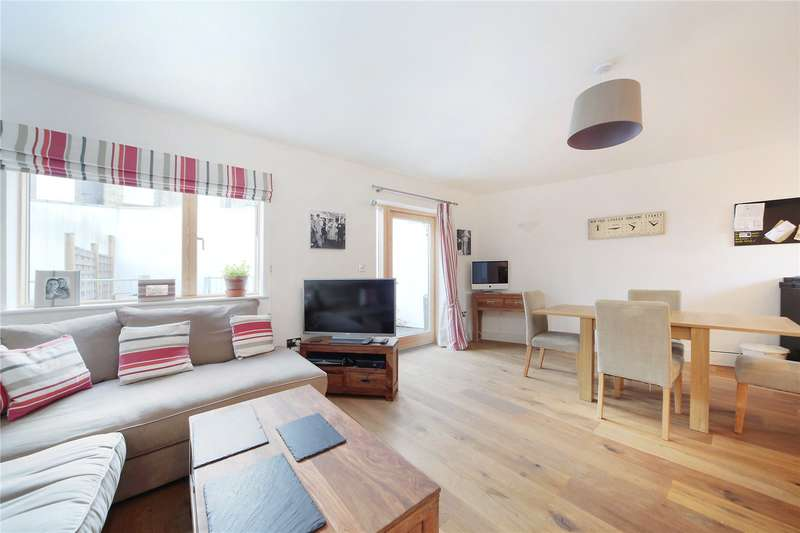 3 Bedrooms Apartment Flat for sale in Rossiter Road, Balham, London, SW12