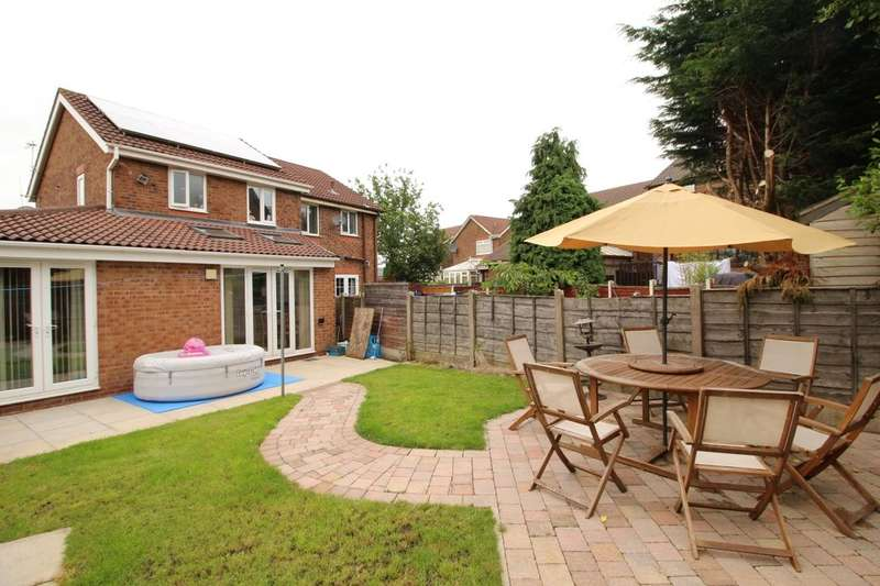 4 Bedrooms Semi Detached House for sale in Brierwood Close, Royton, Oldham, OL2