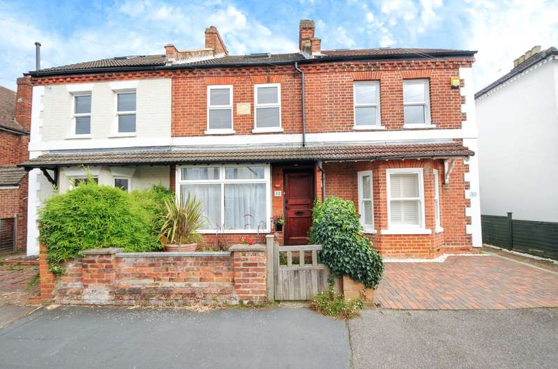 3 Bedrooms Terraced House for sale in Queens Road, Egham, Egham, TW20