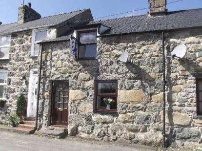 2 Bedrooms Terraced House for sale in Glan Y Wern Terrace, Chwilog, Pwllheli, Gwynedd, LL53