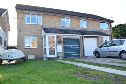 3 Bedrooms Semi Detached House for sale in Throop, Bournemouth, Dorset