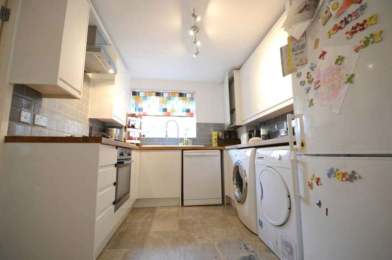 2 Bedrooms Maisonette Flat for sale in Link Road, London