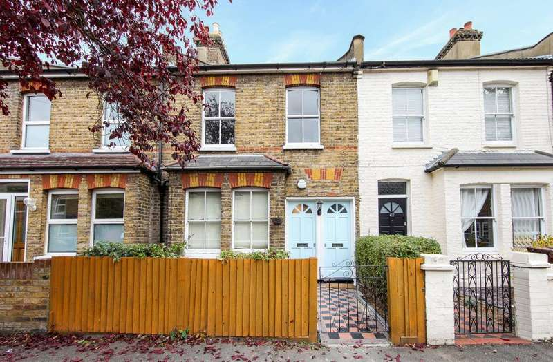 2 Bedrooms Flat for sale in Victory Road, London SW19