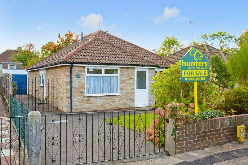 2 Bedrooms Detached Bungalow for sale in Millers Way, Burgess Hill