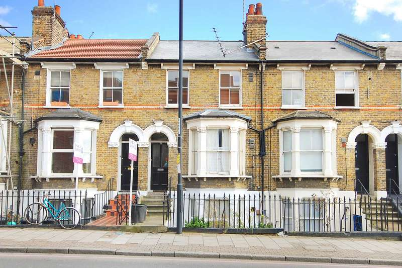 2 Bedrooms Flat for sale in Kenworthy Road, Hackney