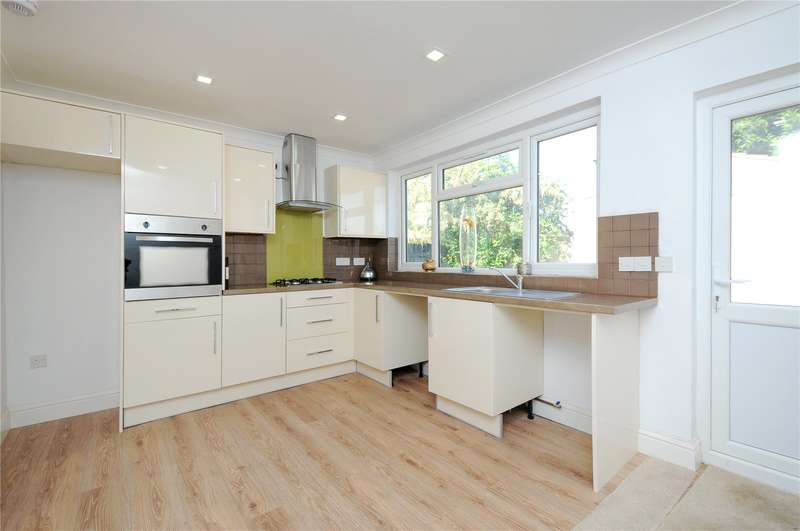 4 Bedrooms Semi Detached House for sale in Weald Lane, Harrow, Middlesex, HA3