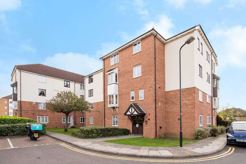 1 Bedroom Flat for sale in Elmore Close, Alperton, HA0