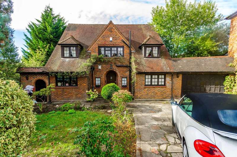 5 Bedrooms House for sale in Woodland Way, Woodford Green, IG8