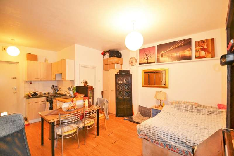 Flat for sale in Park Parade, Harlesden