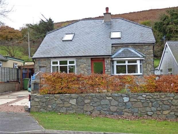 4 Bedrooms Detached House for sale in Llanaelhaearn, Caernarfon, Gwynedd