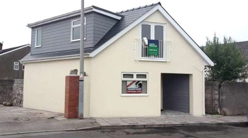 2 Bedrooms Detached House for sale in 5 South Road, Porthcawl, Bridgend County Borough, CF36 3DH.