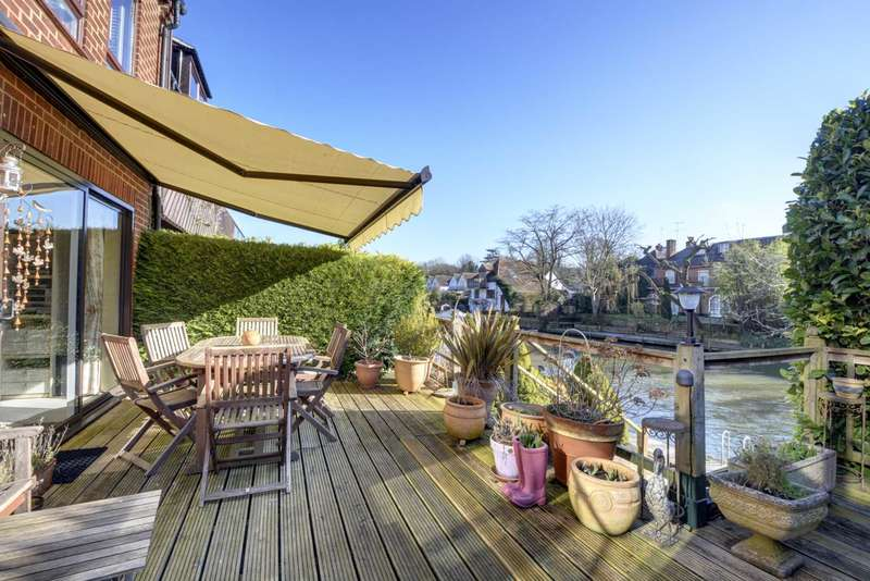 2 Bedrooms Maisonette Flat for sale in Marlow