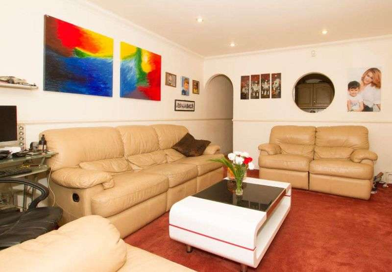 3 Bedrooms Terraced House for sale in Waller Avenue, Luton