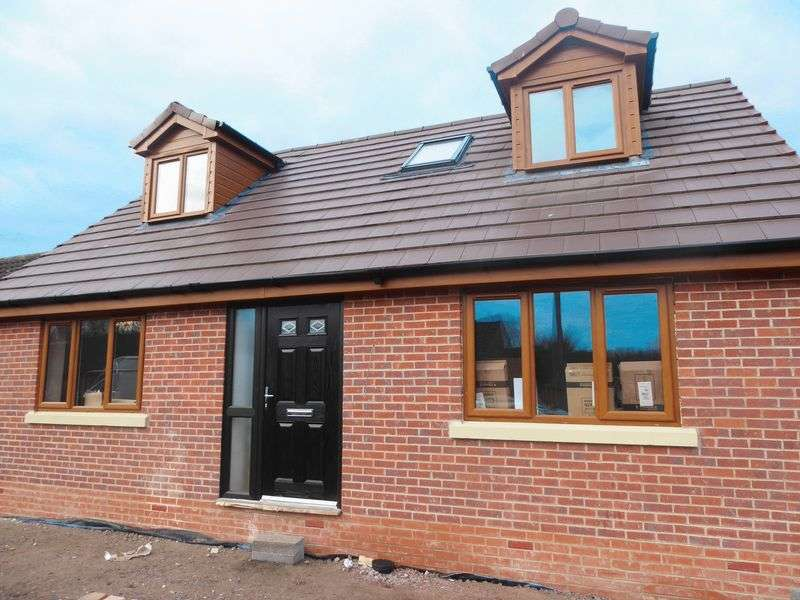 3 Bedrooms Detached Bungalow for sale in Caunce Avenue, Banks,, Southport
