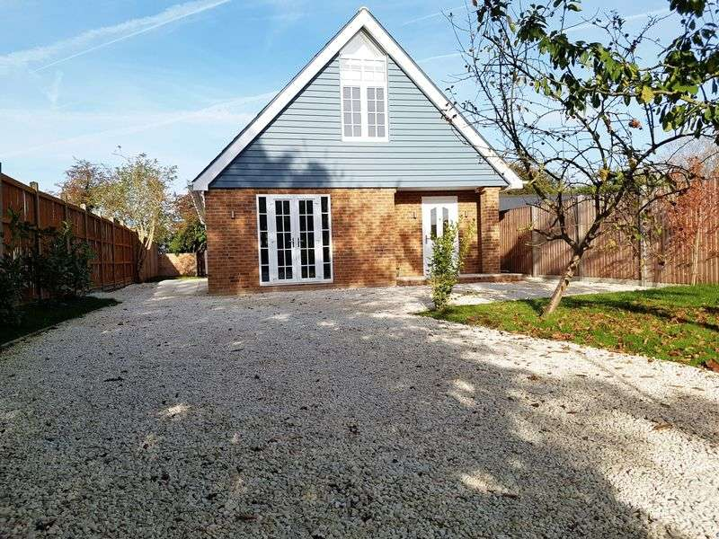 4 Bedrooms Detached House for sale in Upstreet, Canterbury