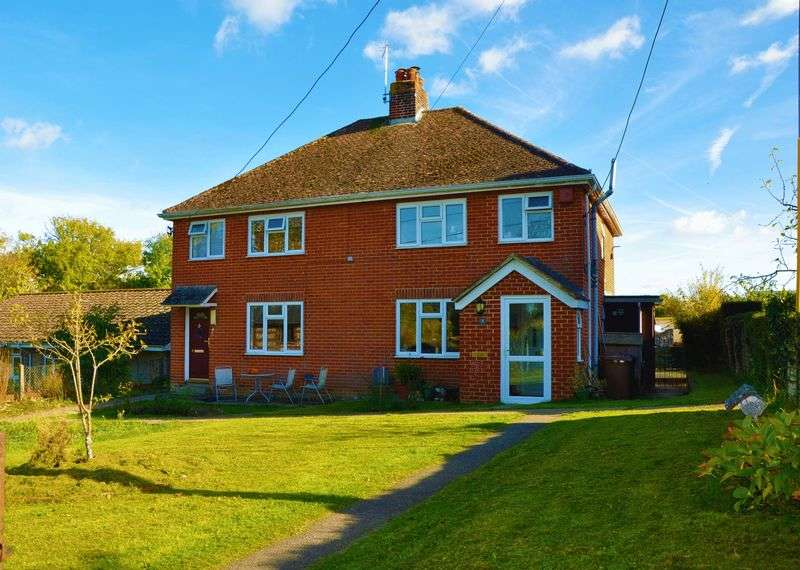 3 Bedrooms Semi Detached House for sale in Upton, Andover