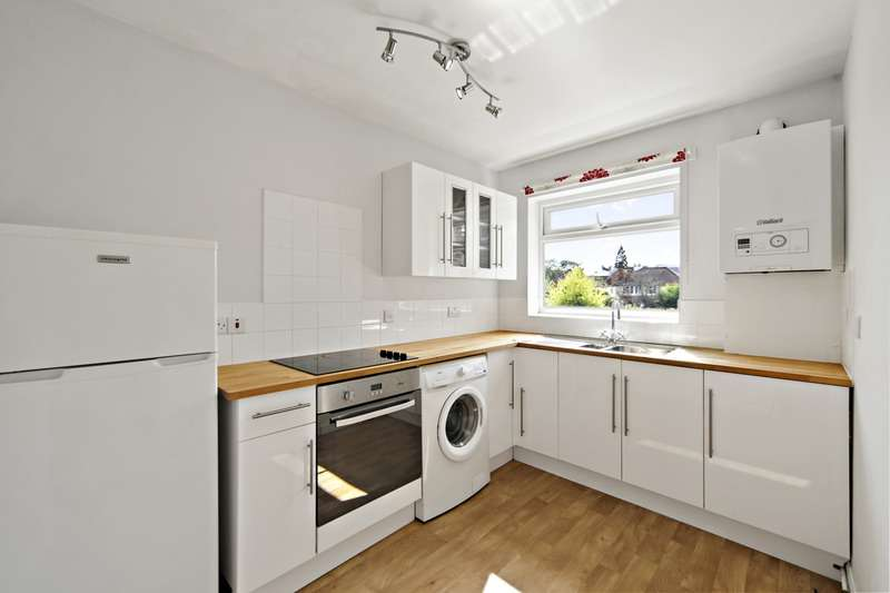 2 Bedrooms Flat for sale in Anlaby Road, Teddington, Middlesex, TW11