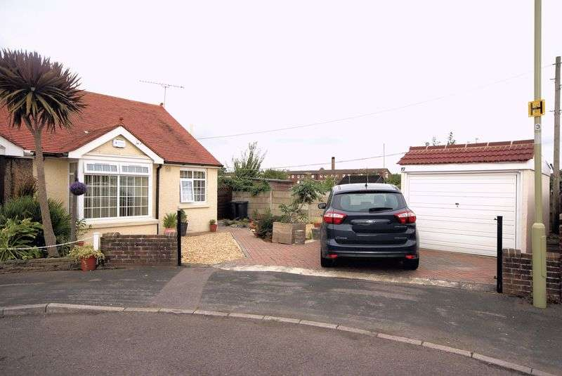 3 Bedrooms Semi Detached Bungalow for sale in Oxford Road, Gosport, PO12