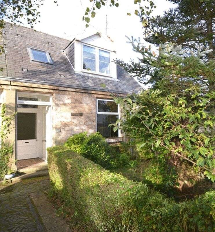 3 Bedrooms Terraced House for sale in Happyhills, West Kilbride