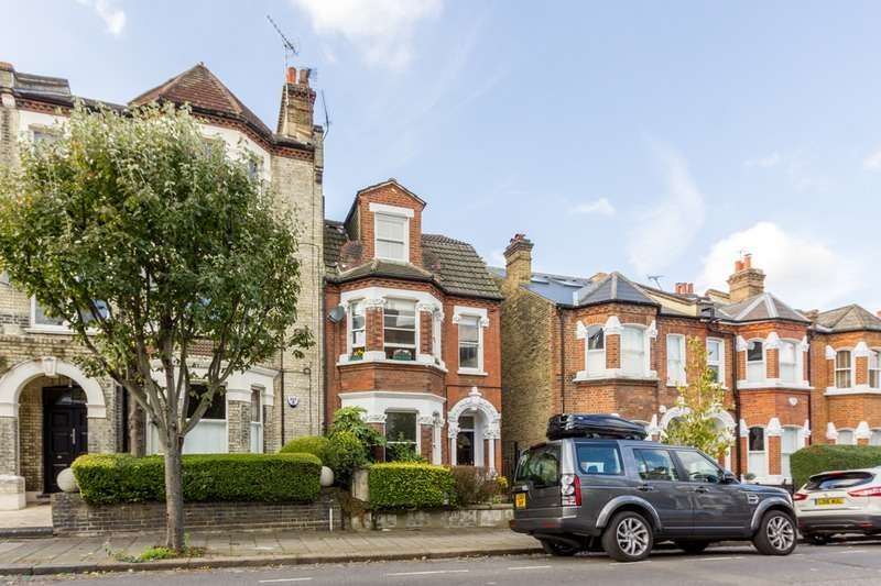 4 Bedrooms Maisonette Flat for sale in Santos Road, London, London, SW18