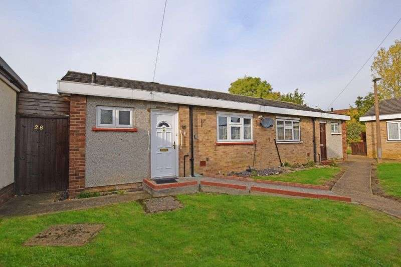 1 Bedroom Semi Detached Bungalow for sale in Robin Close, Romford
