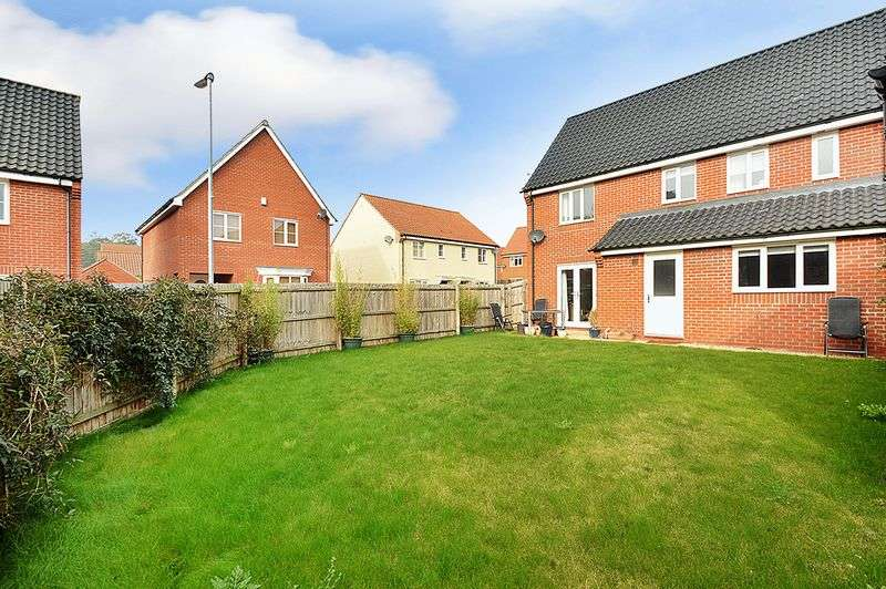 4 Bedrooms Detached House for sale in Stony Grove, Costessey