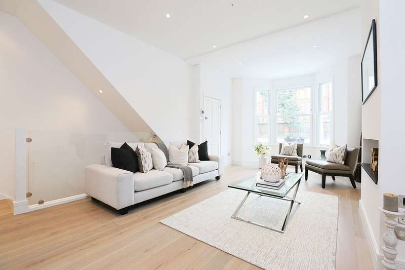 3 Bedrooms Flat for sale in Delaford Street, London, London, SW6