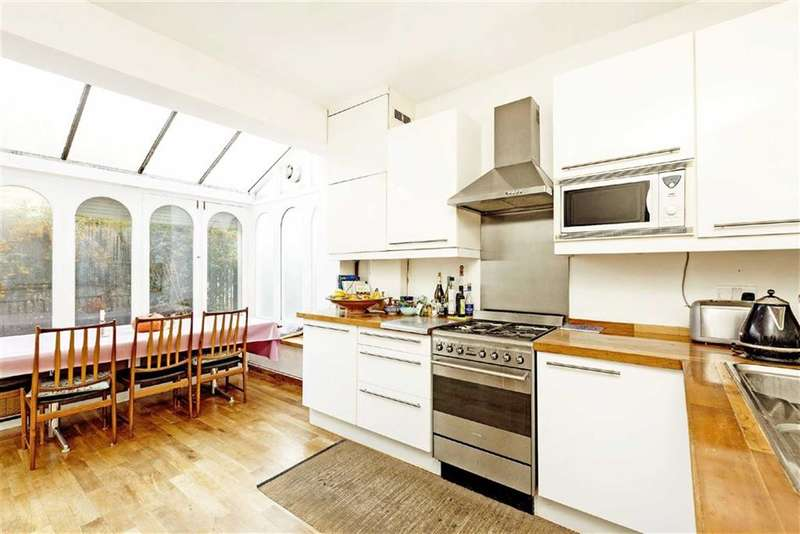 2 Bedrooms Flat for sale in Trinity Gardens, LONDON