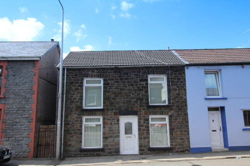 3 Bedrooms Terraced House for sale in Tyntyla Road, Tonypandy