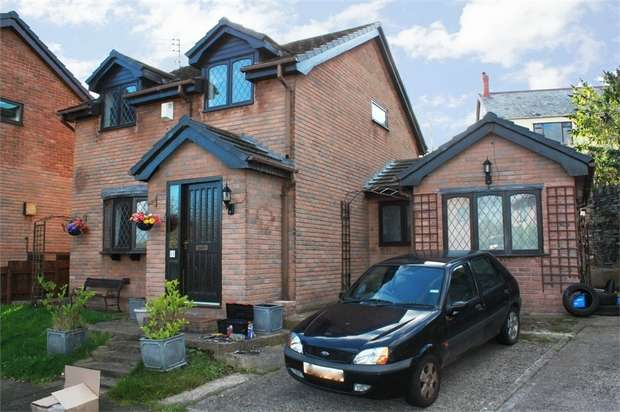 4 Bedrooms Detached House for sale in Llys Owen, Gronant, Prestatyn, Flintshire