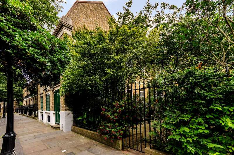 4 Bedrooms House for sale in St Alfege Passage, Greenwich, SE10