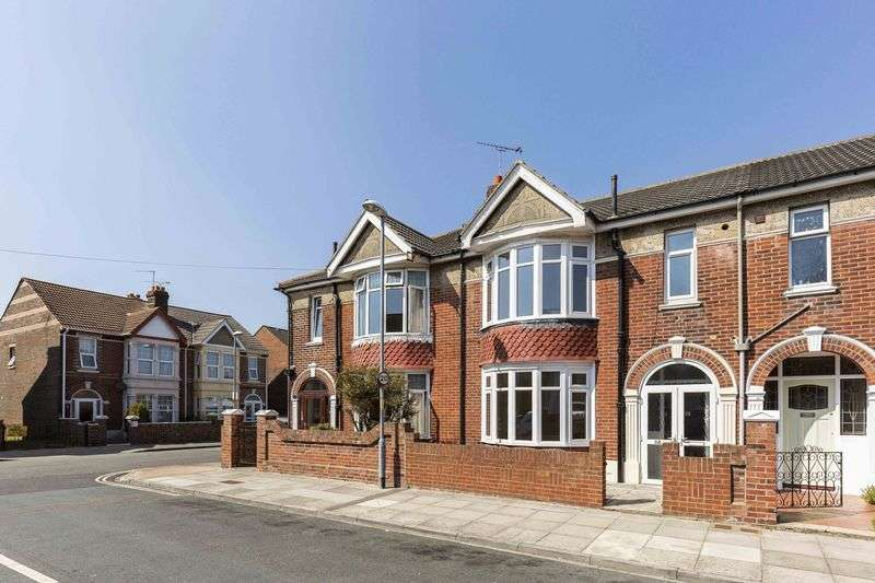 3 Bedrooms Terraced House for sale in Madeira Road, Hilsea