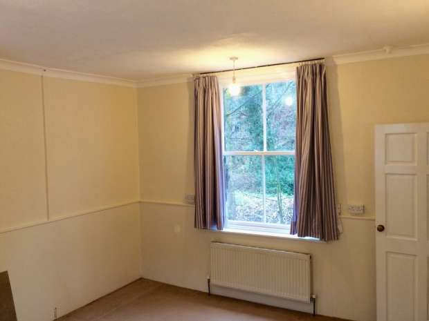 2 Bedrooms Terraced House for sale in Rose Villas Hebden Bridge