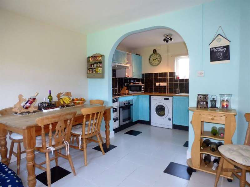 3 Bedrooms House for sale in Mays Crescent, Northleach, Cheltenham, Gloucestershire