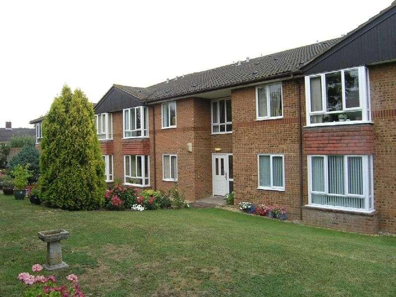1 Bedroom Retirement Property for sale in Dene Court, Cowplain, PO8 8HD