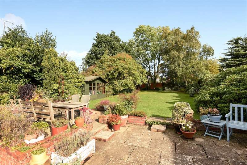 3 Bedrooms Bungalow for sale in Budges Gardens, Wokingham, Berkshire, RG40
