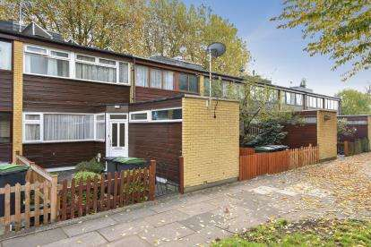 3 Bedrooms Terraced House for sale in Partridge Way, Bounds Green, Harringay, London